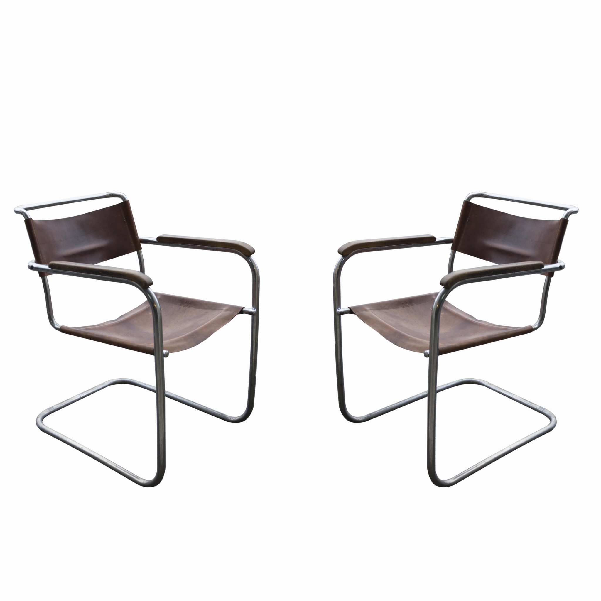 Marcel breuer chair pair of tan leather marcel breuer for Chaise wassily